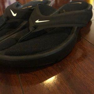 Nike Women's Ultra Comfort flip flops